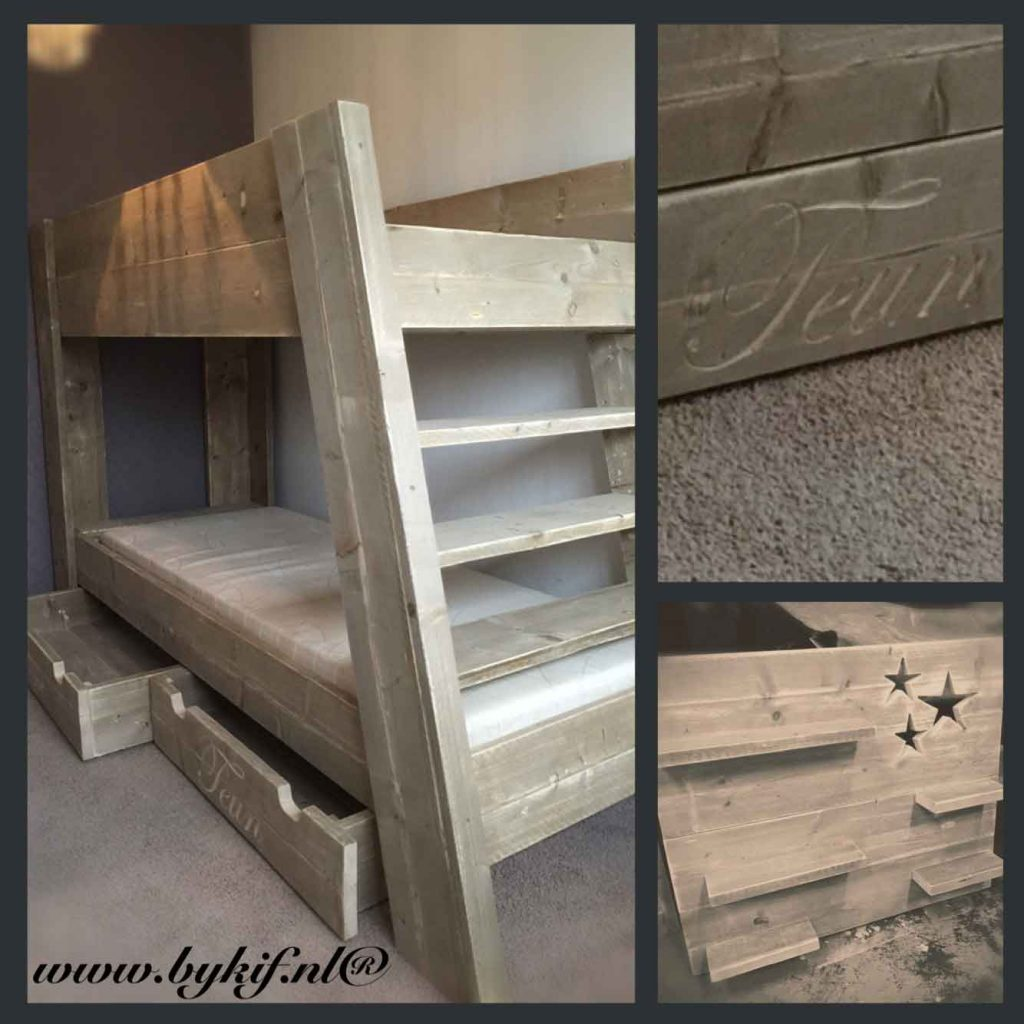 Stapelbed-met-twee-onderschuiflade-van-steigerhout