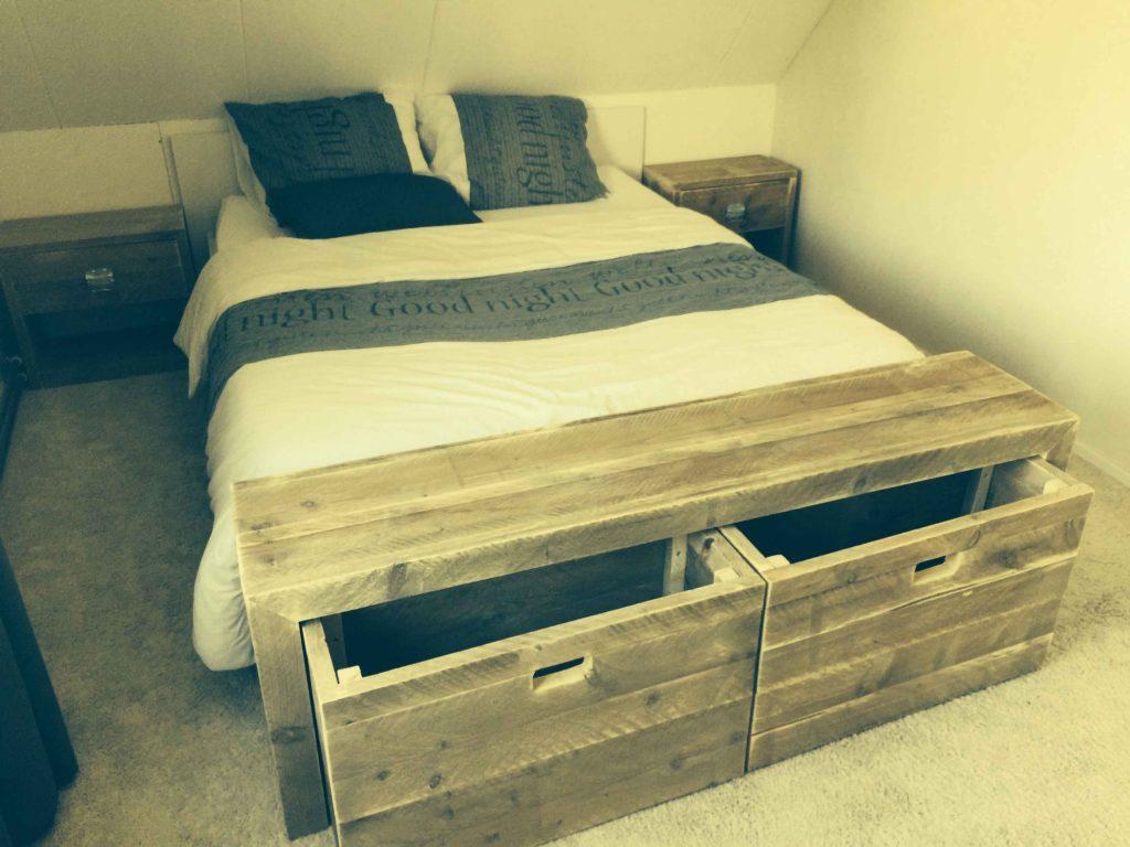 Bykif meubels in en outdoor meubels van steigerhout en for Bed van steigerhout maken